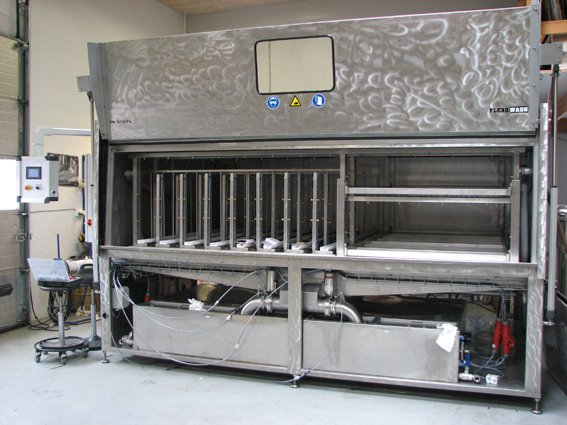 PK350 FL with racks for trays